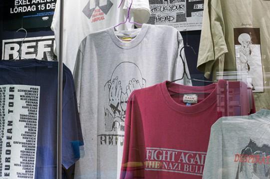 Foto på T-shirts ur Umeå Hardcore Arkiv